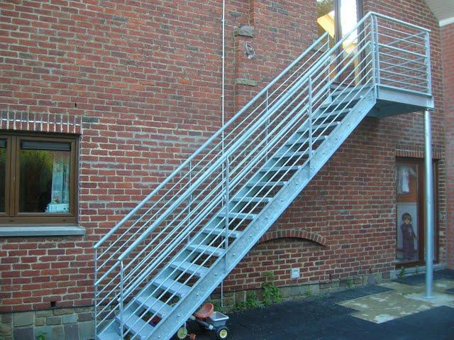 rampe d 39 escalier en fer forg. Black Bedroom Furniture Sets. Home Design Ideas